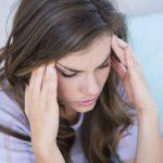 Stekende hoofdpijn: oorzaken, onderzoek en behandeling